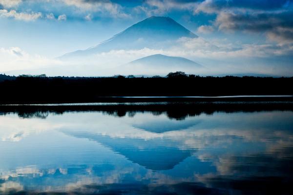 朝の精進湖 09020722.jpg