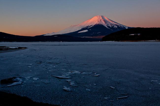 氷の平野の富士山 10011712.jpg